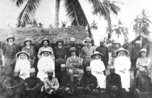 sr. Irene insieme a personale dell'Opedale militare