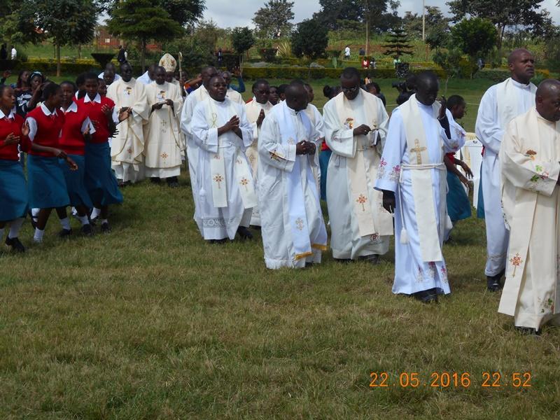 i sacerdoti concelebranti