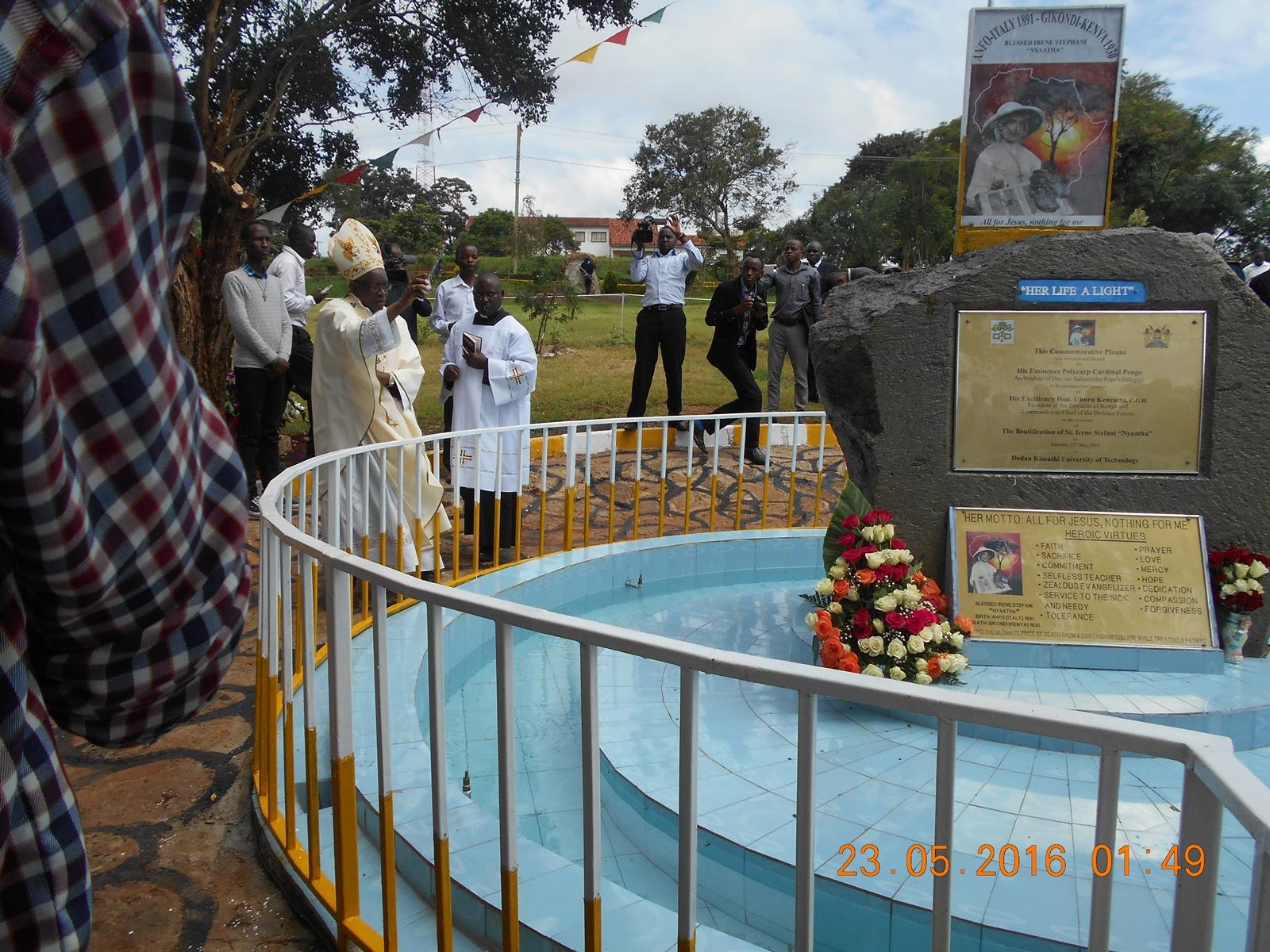 la benedizione del vescovo di Nyeri